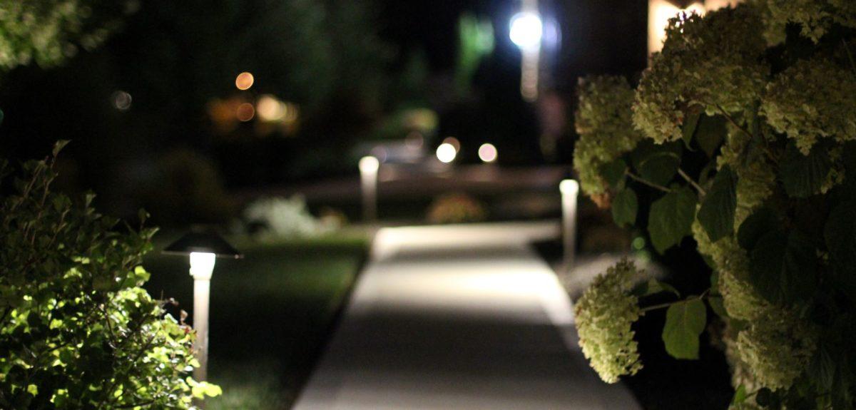 outdoor lighting pathways